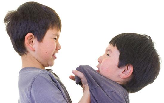 توقف کتک زدن بچه های دیگر