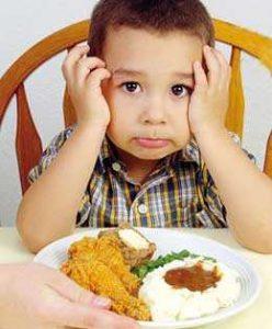 دلیل بهانه کودک در هنگام غذا خوردن چیست؟
