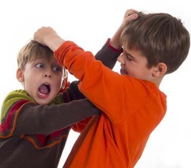 در مشاجره کودکان با عدالت باشید