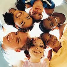 کم شدن نقش خانواده توسط گروه همسالان
