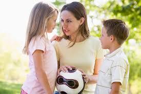 از قضاوت بین فرزندان دوری کنید